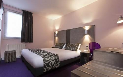 Tour Hôtel – Superior Double Room with view on the Residence